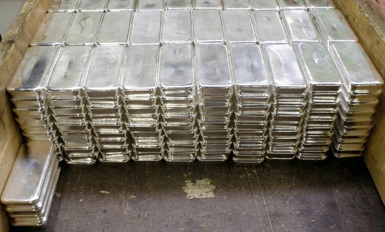 Изображение - Где лучше купить серебро в слитках Serebryanye-slitki-v-hranilishhe